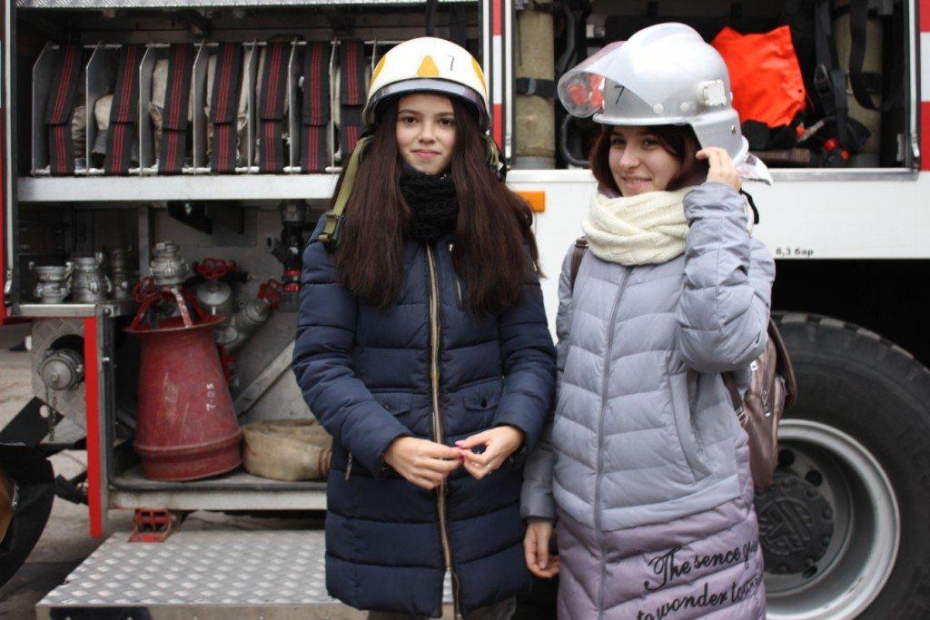 Пожарные рассказали выпускникам о своей профессии, фото-4