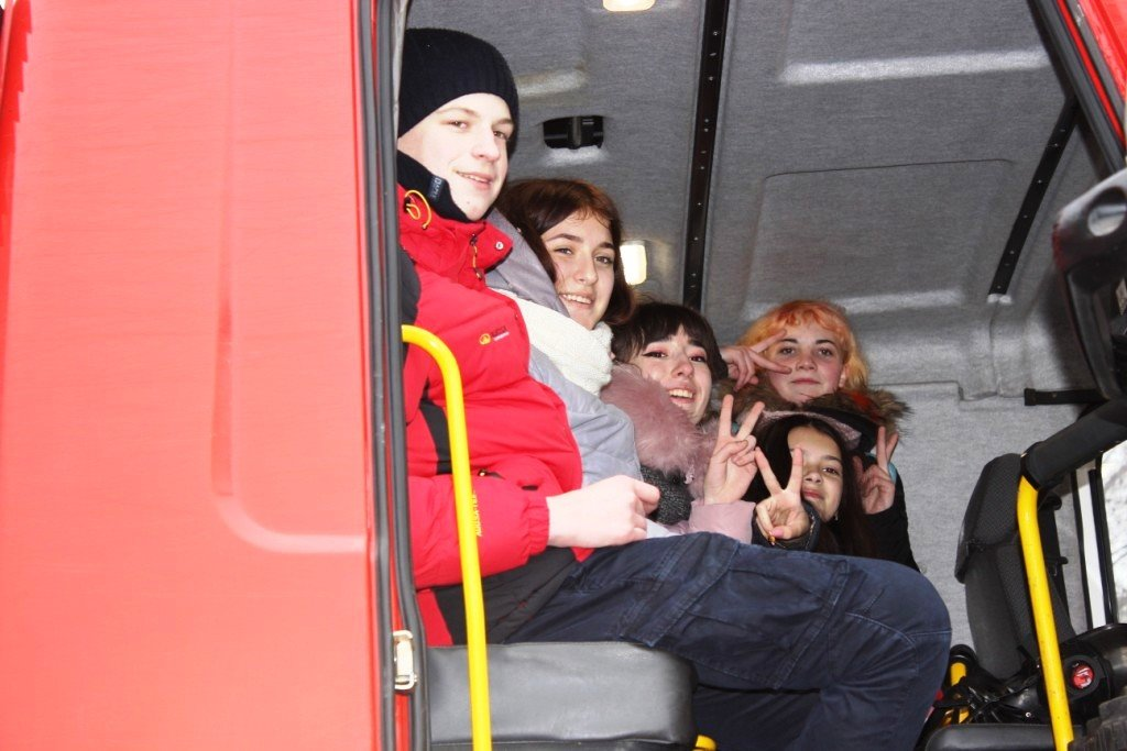 Пожарные рассказали выпускникам о своей профессии, фото-3