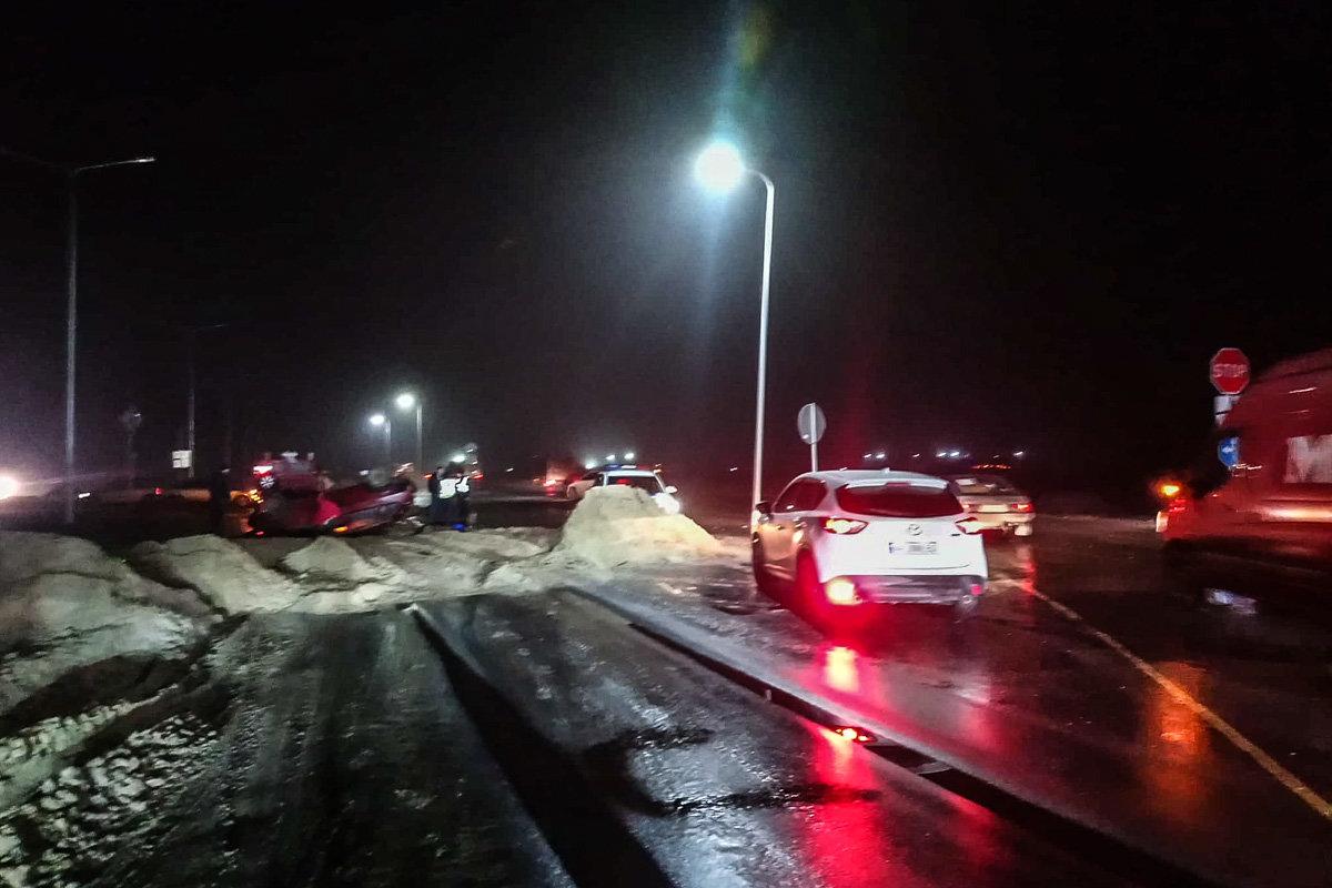 ДТП под Каменским: автомобиль вылетел на участок, где ведутся ремонтные работы, и перевернулся, фото-4