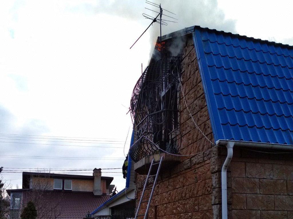 В Днепровском районе горел жилой дом, фото-3