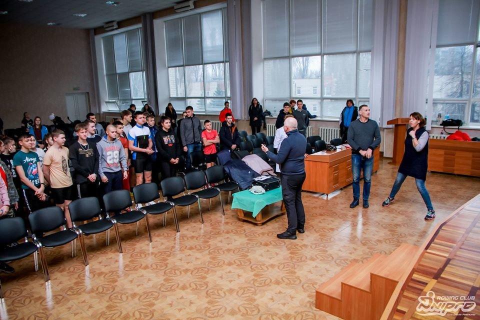 Каменские гребцы-академисты соревновались на эргометрах, фото-1