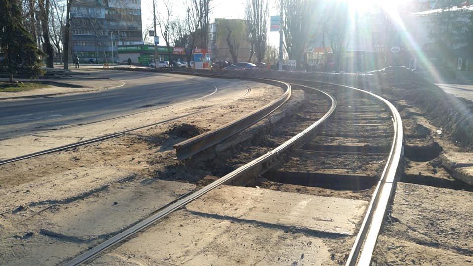 """В Каменском возле """"Украины"""" меняют трамвайные рельсы, фото-2"""