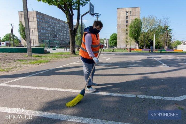 Мэр Каменского объехал скверы, парки и места общего пользования, фото-6