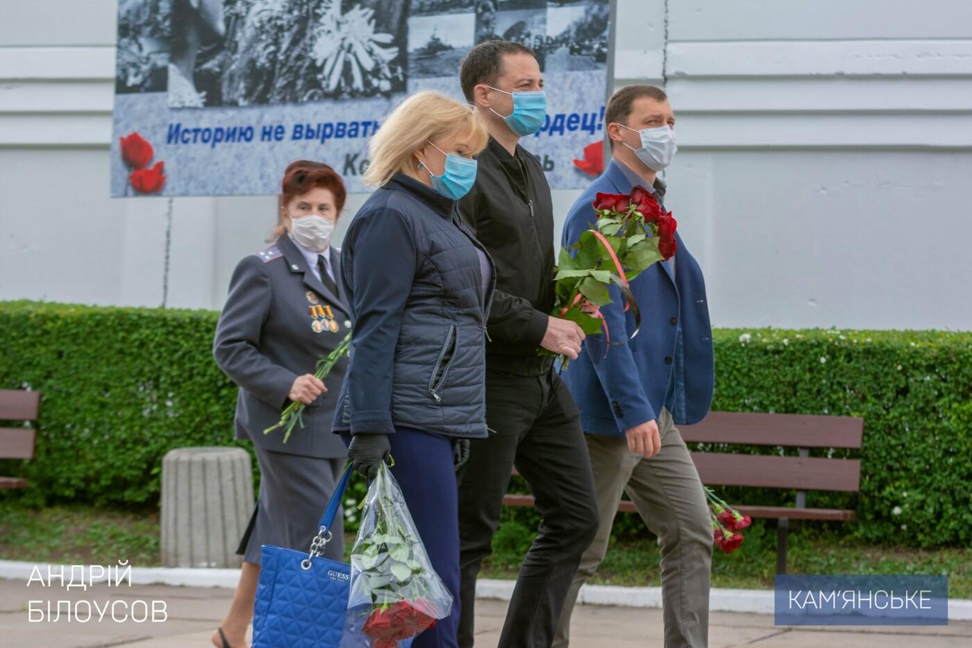 К 75-летию Победы в Каменском открыли два новых памятника, фото-3