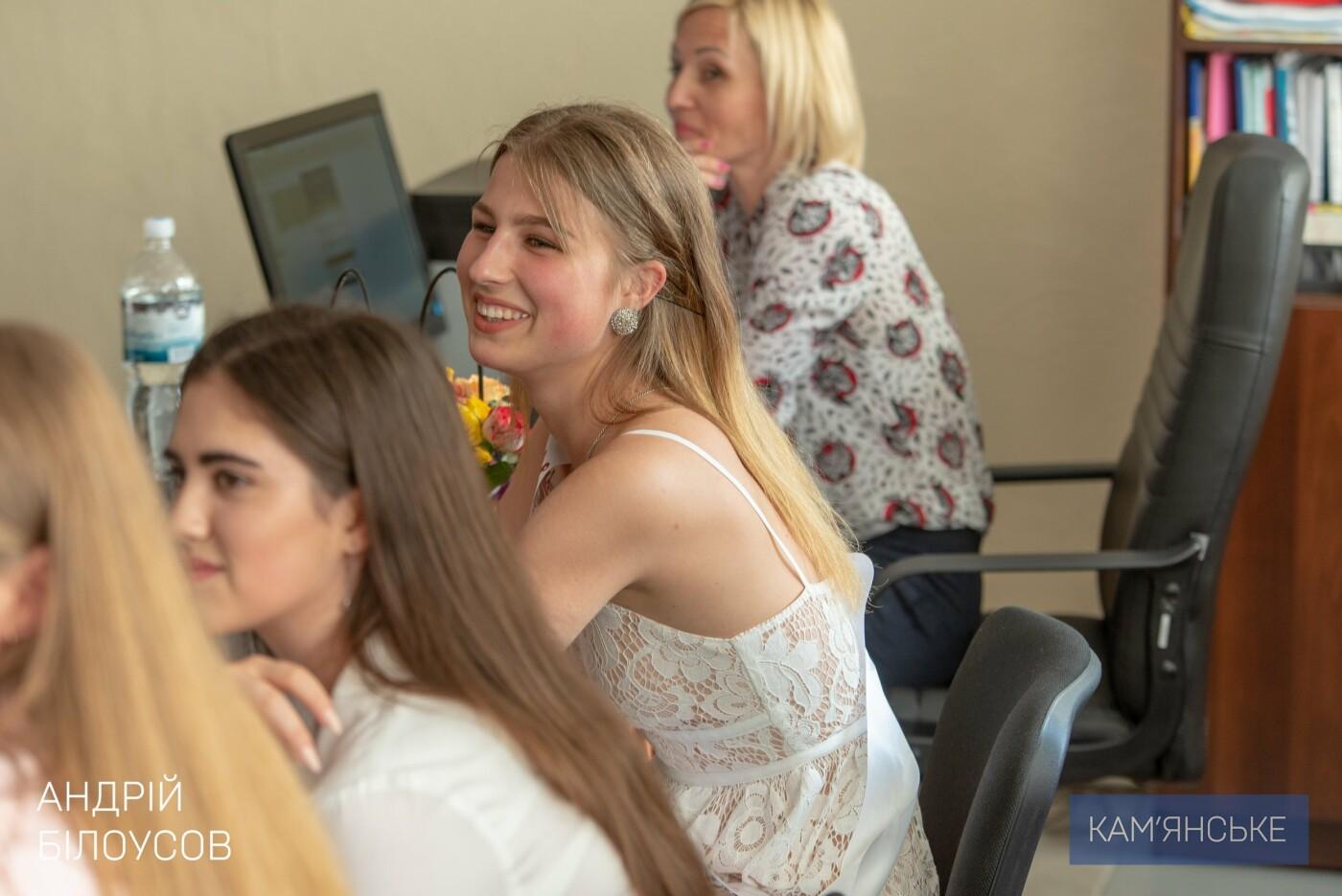 Выпускникам ДЮСШ №4 вручили свидетельства об окончании спортшколы, фото-4