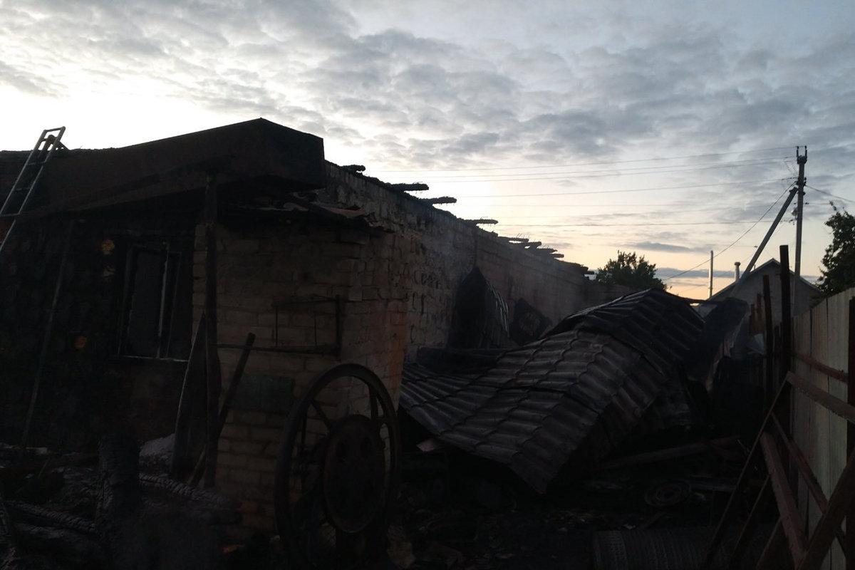 В Елизаветовке горел жилой дом: пострадала девушка, фото-2