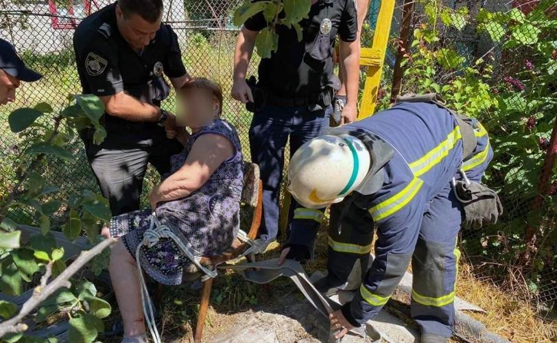 В Каменском пожилая женщина упала в колодец, фото-1
