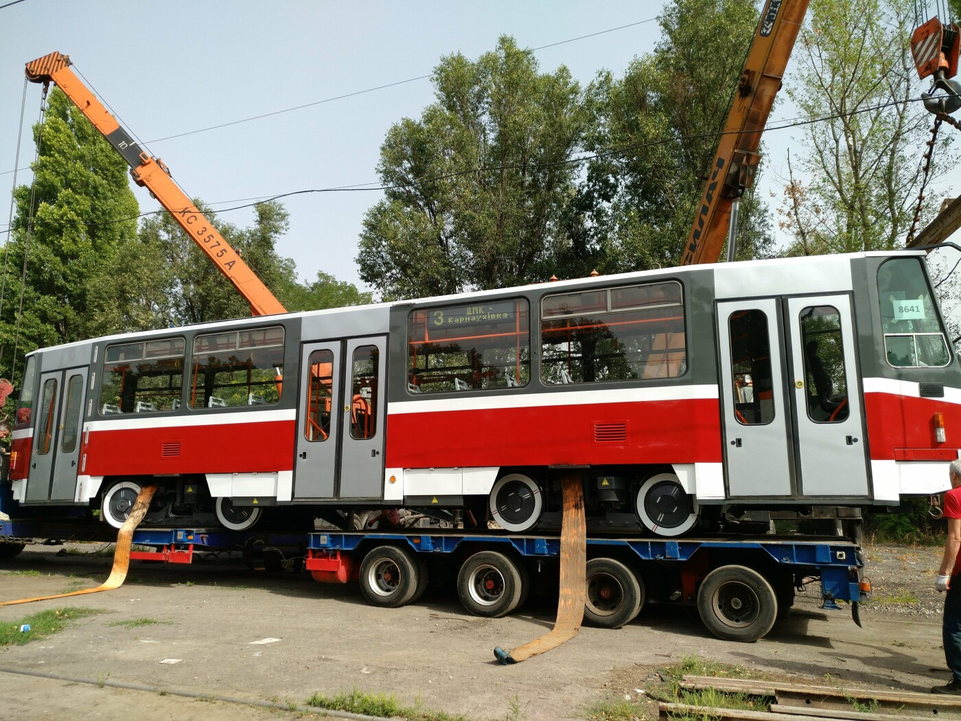 В Каменское привезли еще один трамвай из Чехии, фото-2