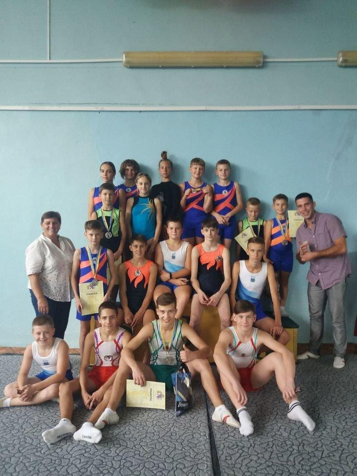 Каменчане стали призерами Кубка Днепропетровской области по прыжкам на акробатической дорожке, фото-1