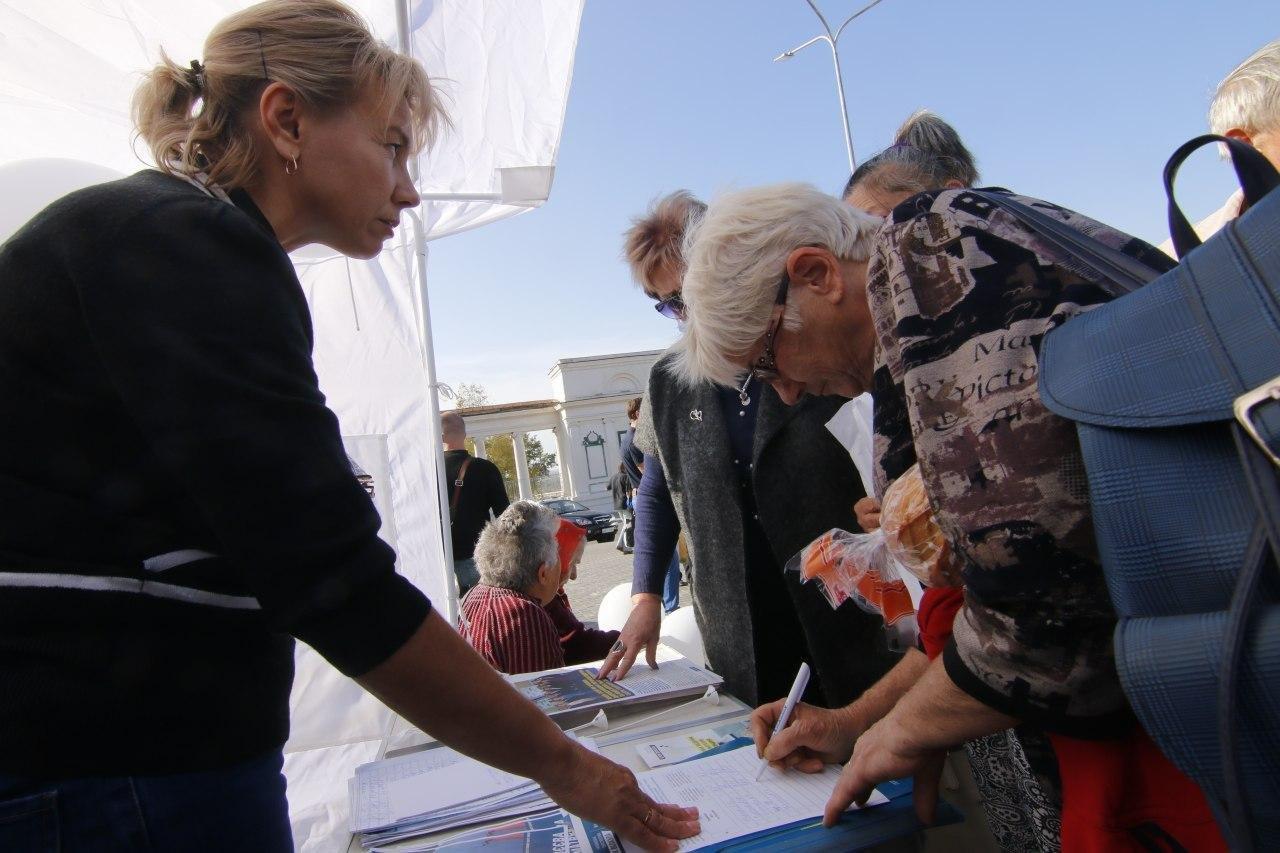 Тисячі людей підтримали Блок Вілкула щодо введення на Дніпропетровщині безплатної для людей страхової медицини, фото-2