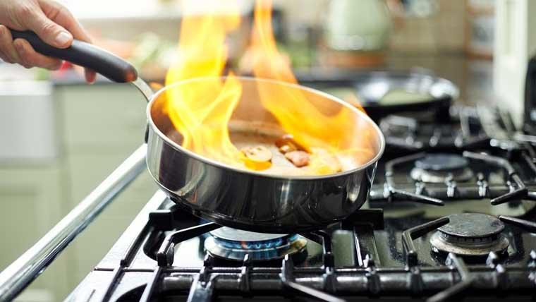Как пользоваться сковородой с антипригарным покрытием, фото-1