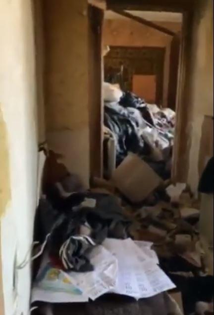 Останки животных, драки и фекалии на стенах: как живет семья на Никопольской, фото-2
