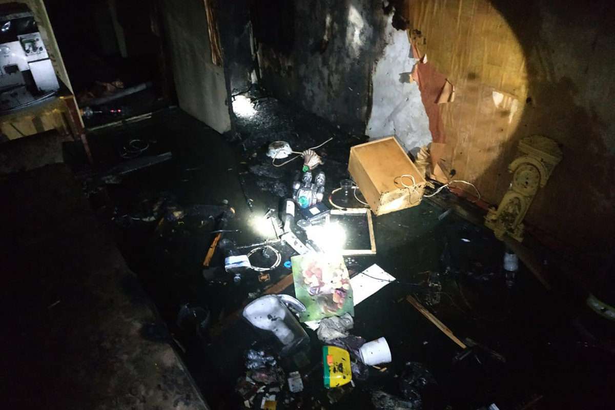 В Каменском на поселке Строителей горела квартира: внутри нашли труп, фото-2