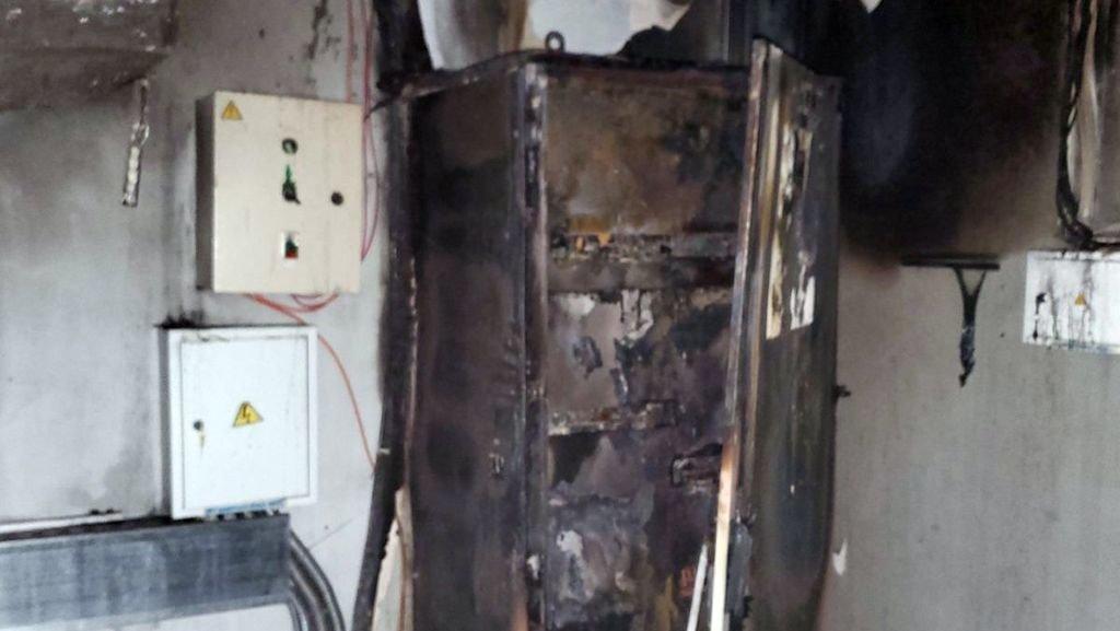 В Каменском ночью горел магазин, фото-1