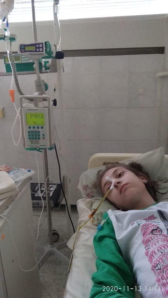 В Днепре спасают 17-летнюю девушку, которая весит 28 кг, фото-1