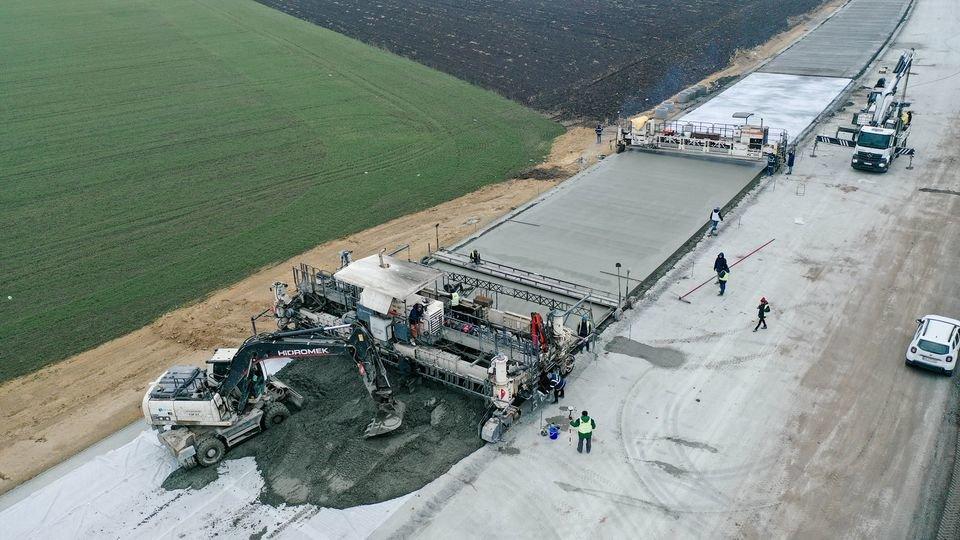 Как выглядит строительство трассы Днепр - Решетиловка с высоты птичьего полета, фото-3