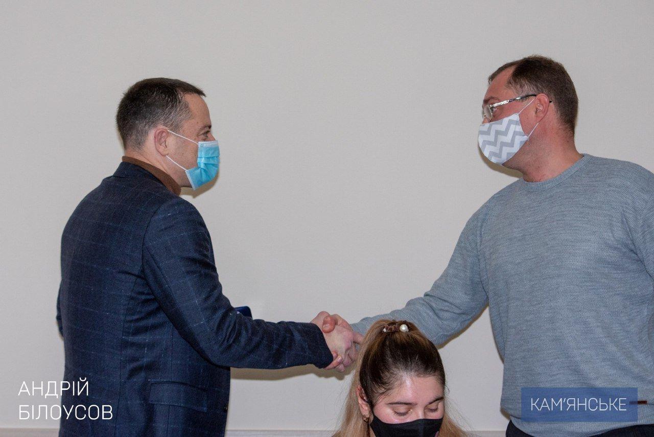Мэр Каменского вручил награды военным и волонтерам, фото-2