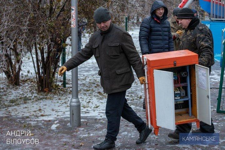 Накануне Нового года и Рождества фирма Владимира Дубинского демонтирует детские аттракционы в парке , фото-2