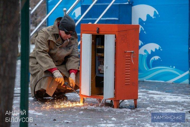 Накануне Нового года и Рождества фирма Владимира Дубинского демонтирует детские аттракционы в парке , фото-1