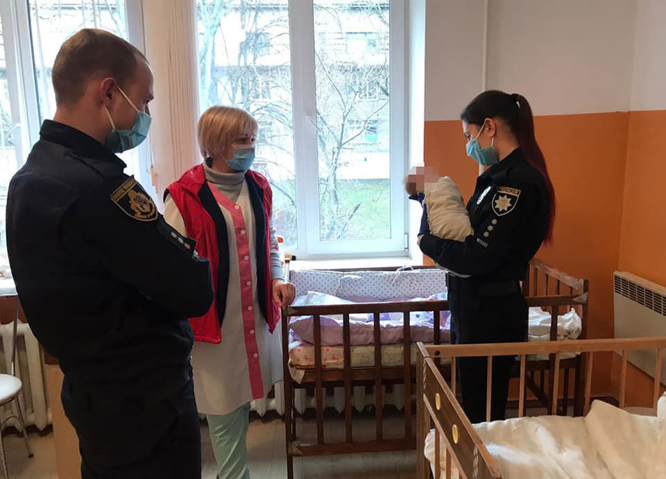 Полицейские Каменского навестили сироток, фото-1