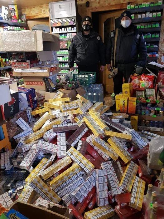 Полиция Каменского изъяла контрафактную продукцию, фото-1