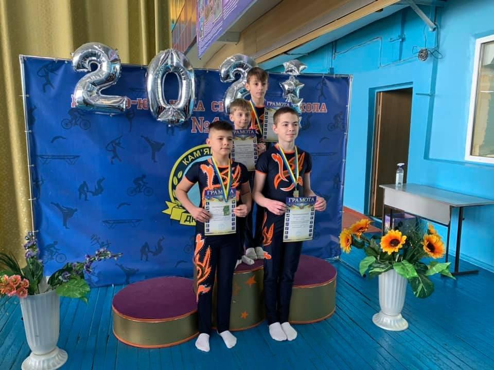 В Каменском прошел открытый чемпионат города по спортивной акробатике среди взрослых, фото-3