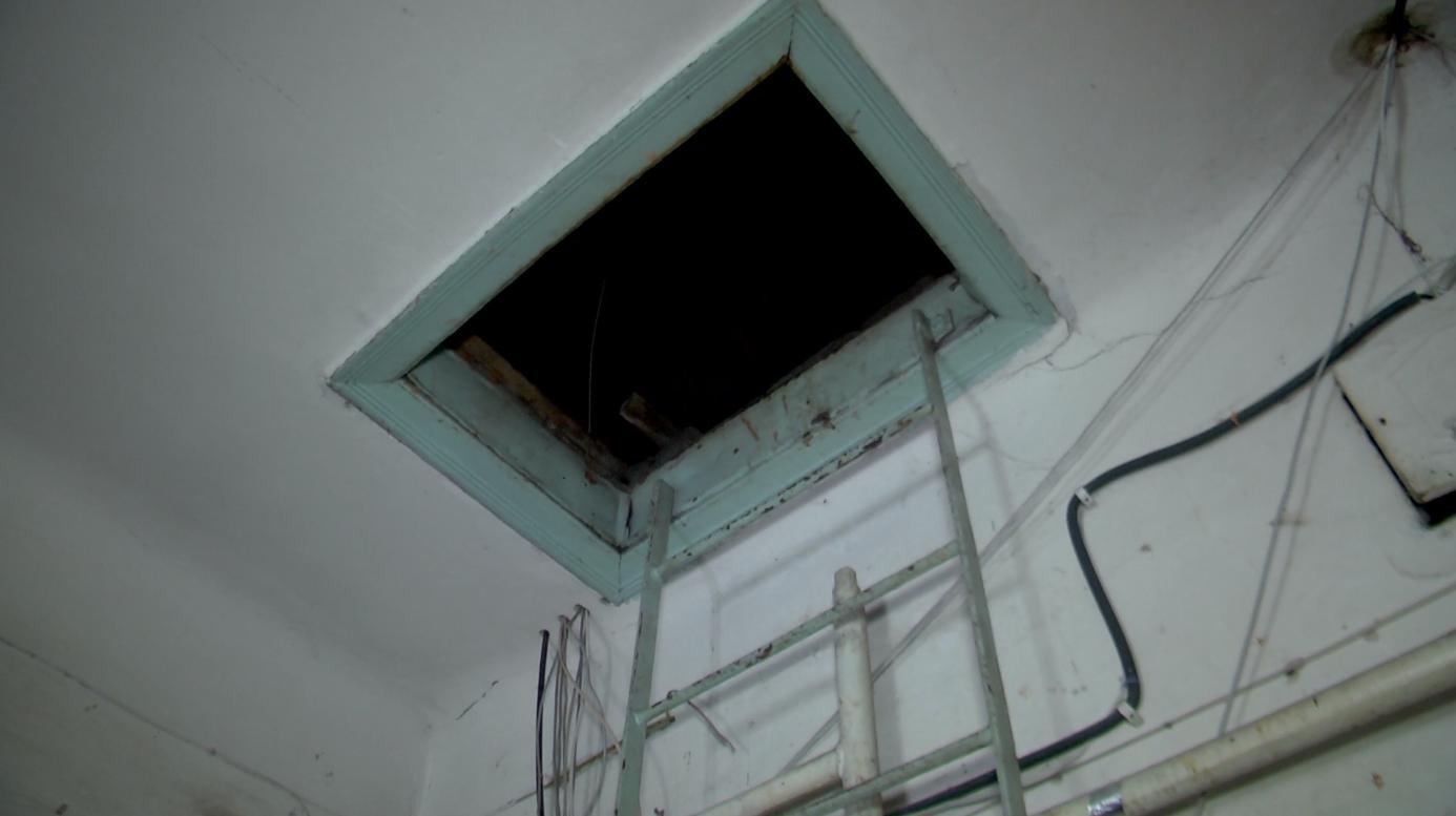Аварийная служба Каменского обеспечивает тепло в домах горожан, фото-1