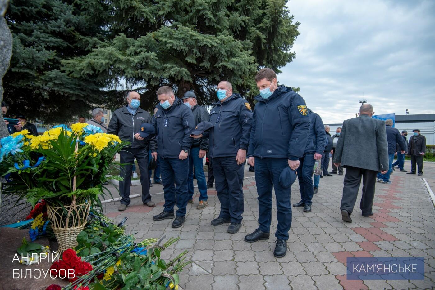 В Каменском возложили цветы к памятнику «Чернобыль – вечная боль Украины», фото-2