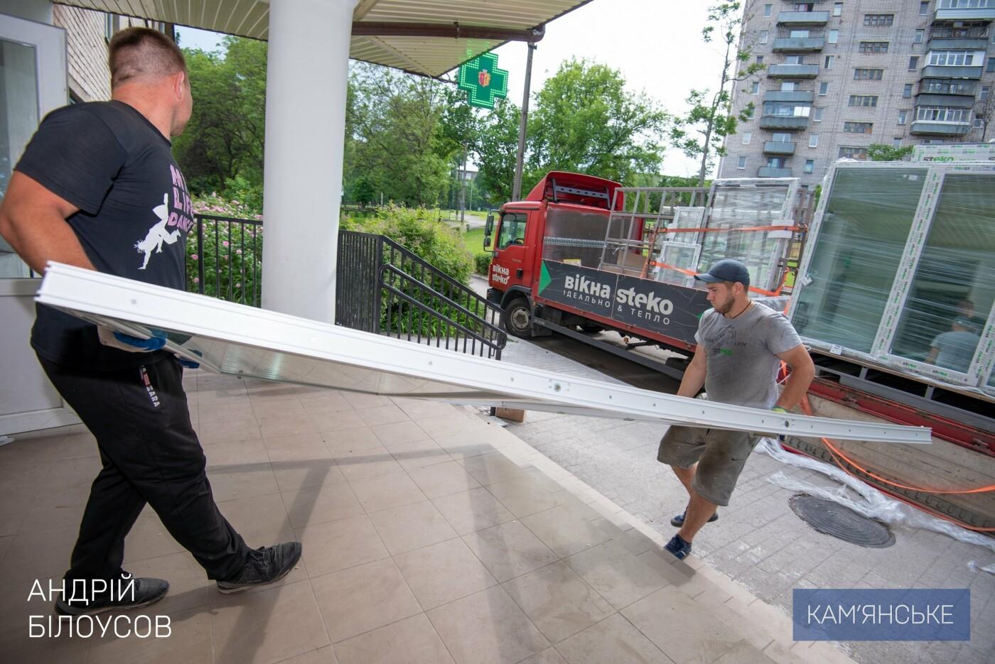 В Каменском продолжают капитально ремонтировать отделения больниц, фото-2