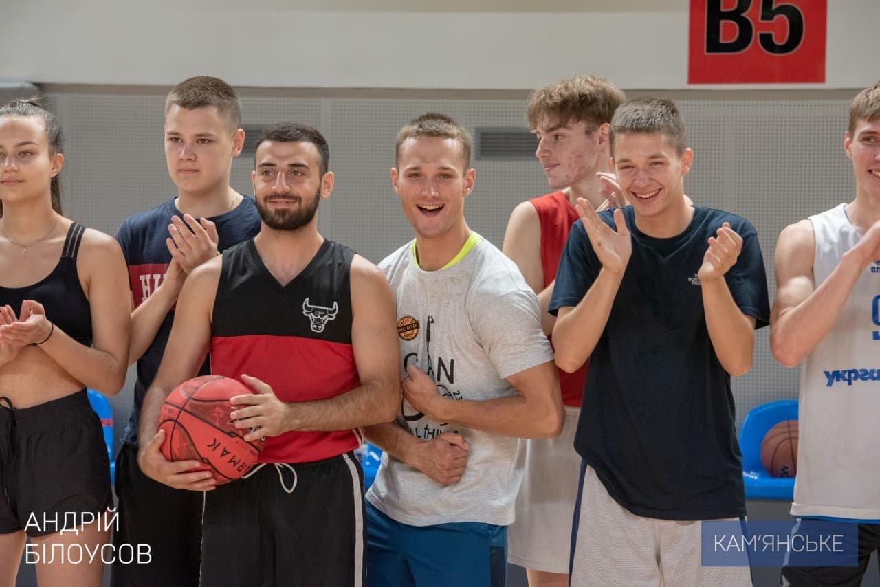 В Каменском на базе СК «Прометей» состоялось закрытие детского лагеря по баскетболу, фото-2