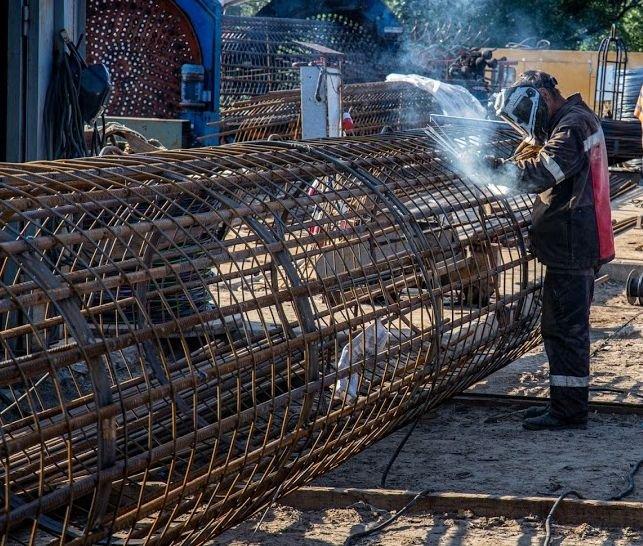 Под Каменским идет строительство новой трассы на Киев, фото-1